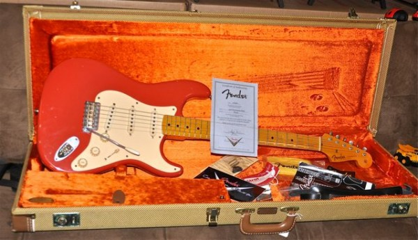 Fender Stratocaster 2005 Relic Custom Shop FiestRed