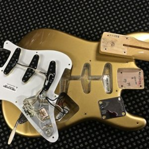 Fender American Vintage Stratocaster 1959 Aztec Gold - Closer look