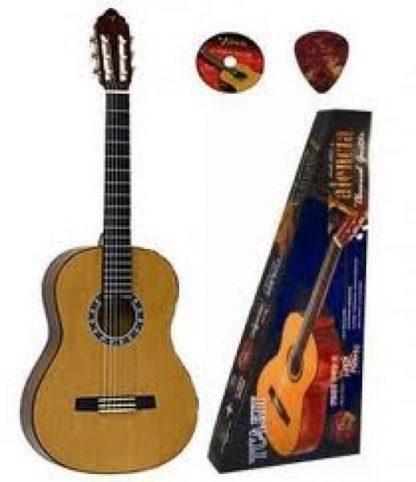 Valencia Classical Guitar Pack 1/4