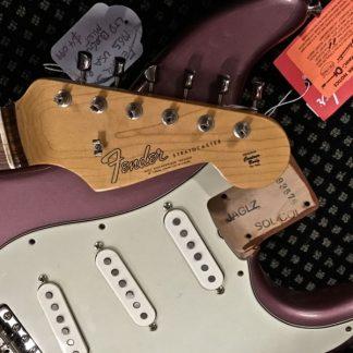 Fender American Vintage 1965 Stratocaster Burgundy Mist FSR - Closer look.